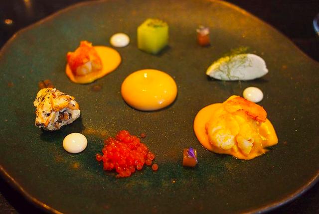 """Thử dùng bữa ở 4 nhà hàng đạt sao Michelin và cái kết: Các món ăn vừa đẹp vừa ngon đến """"vô thực"""", nhưng giá thì đắt như lên trời - Ảnh 25."""