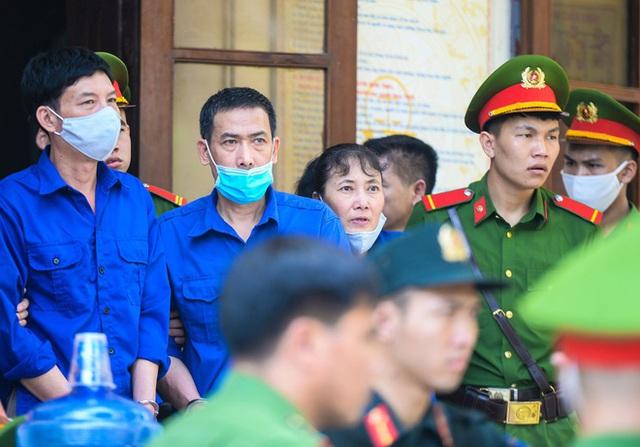 Những lời khai bất nhất của các bị cáo trong phiên xét xử vụ án gian lận điểm thi ở Sơn La - Ảnh 3.