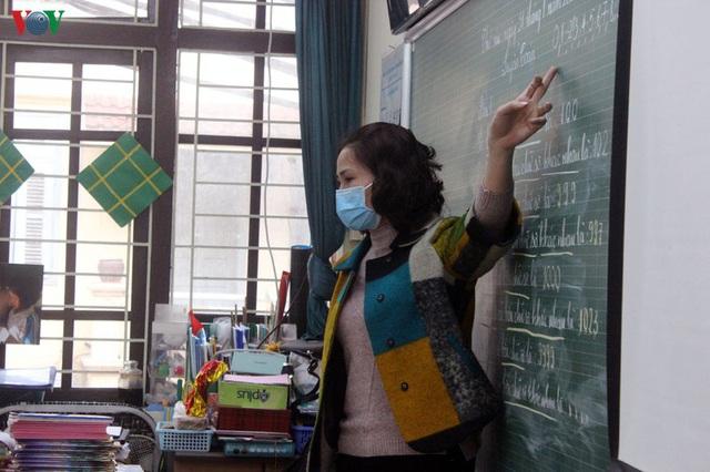 Giáo viên không đạt chuẩn sẽ bị điều chuyển, không được đứng lớp - Ảnh 1.