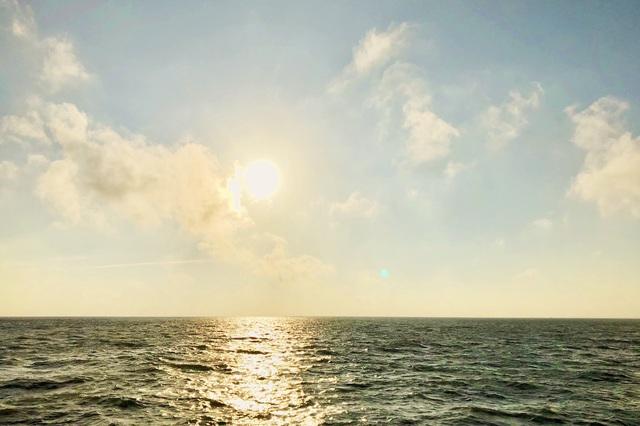 Đến Kiên Giang đâu chỉ có mỗi Phú Quốc, viên ngọc thô Hòn Sơn cũng có những bãi tắm xanh trong mát lành đẹp tới nức lòng người! - Ảnh 2.