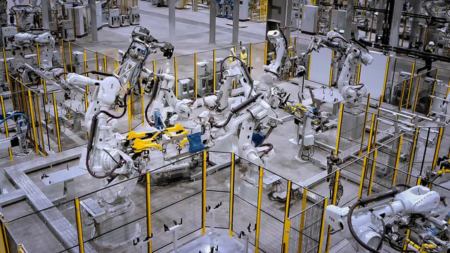 The Diplomat: Tại sao ngành công nghiệp ô tô Việt Nam có khả năng phục hồi bất chấp đại dịch và sự cạnh tranh của ô tô nhập? - Ảnh 1.
