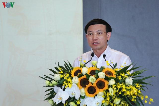 Ảnh: Thủ tướng làm việc tại Quảng Ninh và trò chuyện với công nhân mỏ - Ảnh 2.
