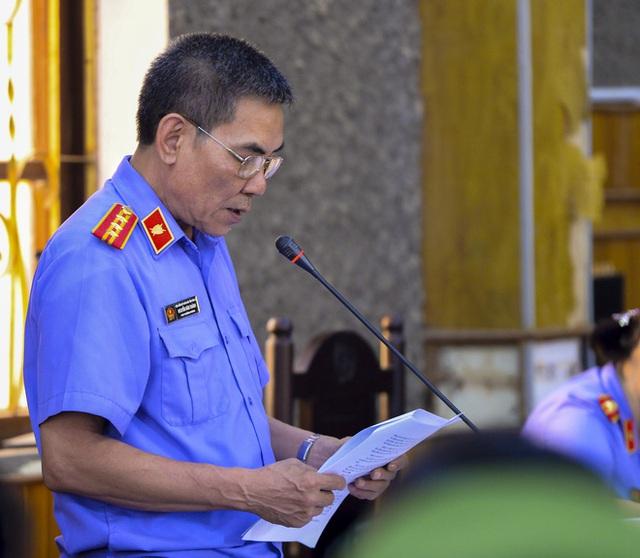VKS luận tội 12 bị cáo, xác định kẻ chủ mưu trong vụ gian lận điểm thi tại Sơn La - Ảnh 4.