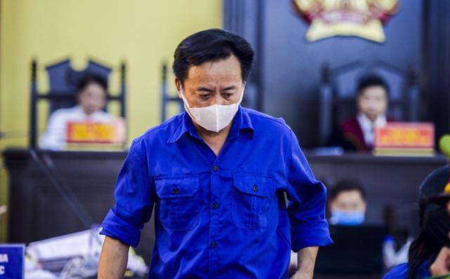 VKS luận tội 12 bị cáo, xác định kẻ chủ mưu trong vụ gian lận điểm thi tại Sơn La - Ảnh 7.