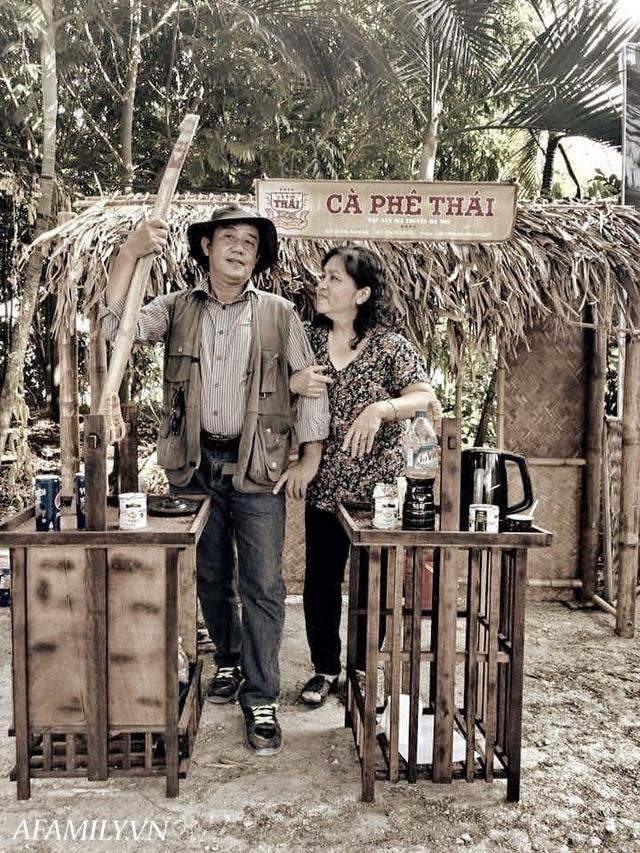 Quán cà phê vỉa hè vừa bé lại cũ kỹ nhất nhì Hà Nội, tồn tại suốt gần thế kỷ với 4 đời tiếp nhận nhưng vẫn đông khách vô cùng, 1 ngày bán cả nghìn cốc - Ảnh 15.