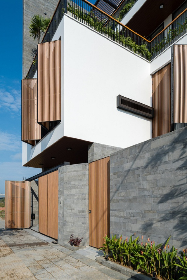 Căn biệt thự 4 tầng, rộng mênh mông ở Đà Nẵng - Ảnh 1.
