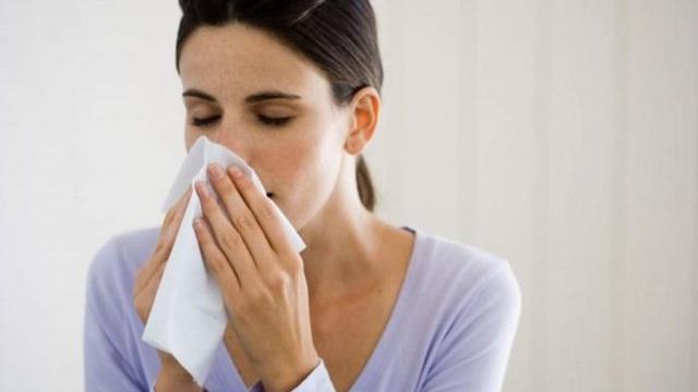 Nhiều người bị bệnh đau đầu hành hạ trong mùa hè, nguyên nhân có thể không đơn giản mà do 5 bệnh nghiêm trọng - Ảnh 1.