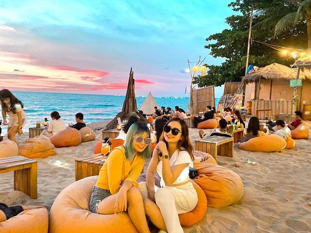 Vi vu khắp mọi ngóc ngách Phú Quốc chỉ với vỏn vẹn 5 triệu VNĐ: Chiêm ngưỡng vẻ đẹp của nơi ngắm hoàng hôn đẹp nhất Việt Nam - Ảnh 6.