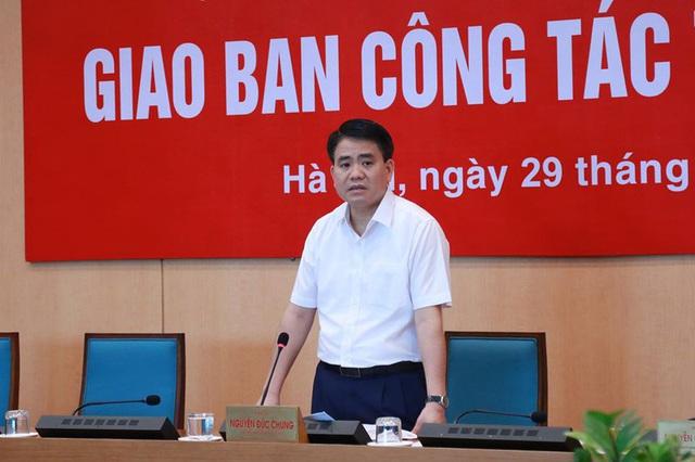 Chủ tịch Hà Nội: Cắt tỉa tất cả cây xanh trong các trường học - Ảnh 1.