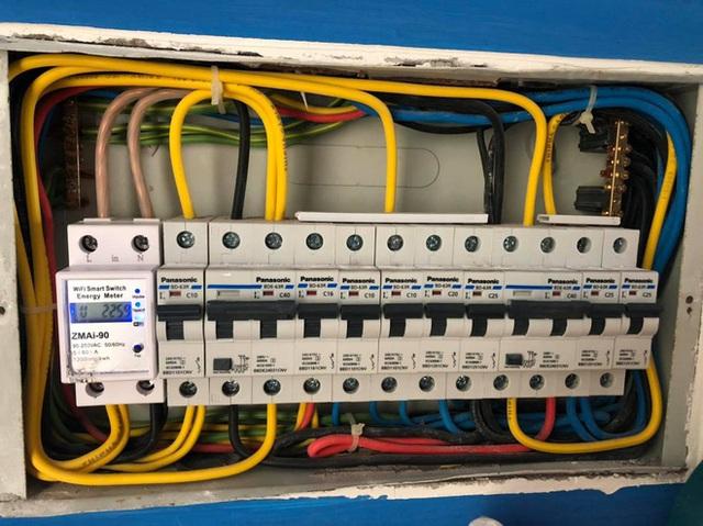 Nhức túi với tiền điện, nhiều người mua công tơ điện có wifi điều khiển bằng giọng nói nhờ trợ lý ảo - Ảnh 3.