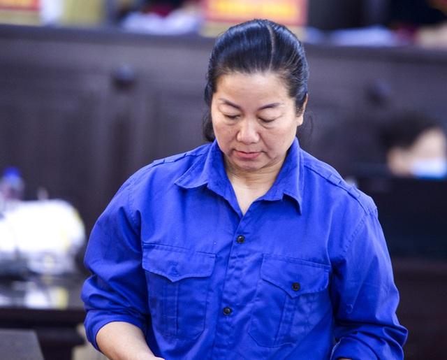 Bị cáo vụ gian lận thi cử tại Sơn La bị tuyên từ án treo đến hơn 20 năm tù, bác đề nghị của cựu trưởng phòng khảo thí xin lại 1 tỷ - Ảnh 3.