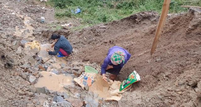 Cận cảnh công trường khai thác vàng trái phép ở 'mỏ tử thần' Minh Lương - Ảnh 7.