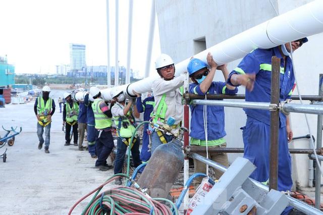 Hối hả thi công cầu Thủ Thiêm 2 kết nối với trung tâm Sài Gòn - Ảnh 9.