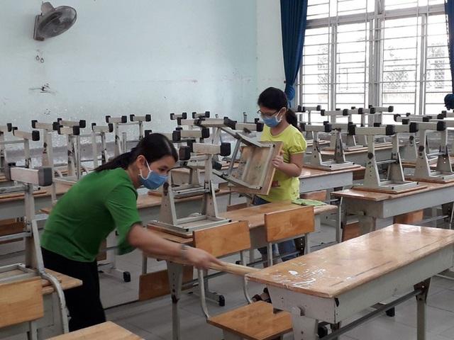 TPHCM tất bật chuẩn bị đón hơn 170.000 học sinh đi học lại  - Ảnh 1.