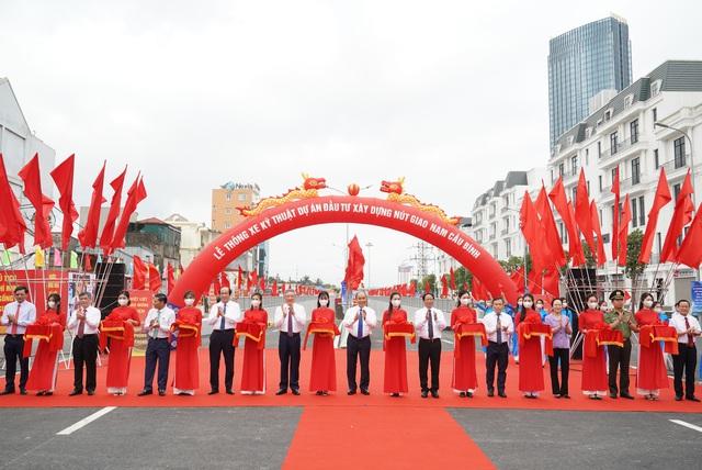 Thủ tướng dự Lễ thông xe kỹ thuật Dự án nút giao Nam Cầu Bính, Hải Phòng - Ảnh 1.
