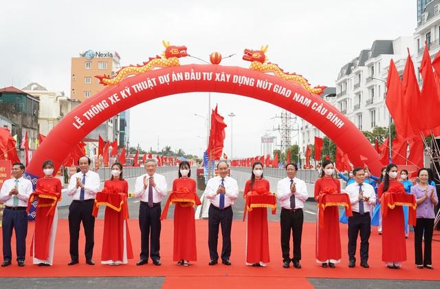 Thủ tướng dự Lễ thông xe kỹ thuật Dự án nút giao Nam Cầu Bính, Hải Phòng - Ảnh 2.