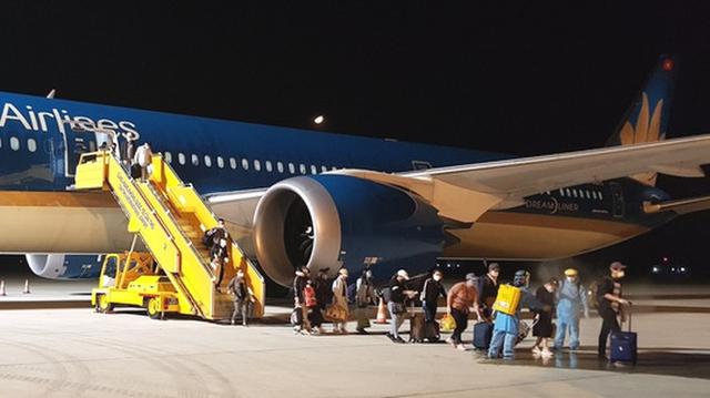 Gỡ khó vì Covid-19, các hãng hàng không được giảm nhiều loại phí, lệ phí  - Ảnh 1.