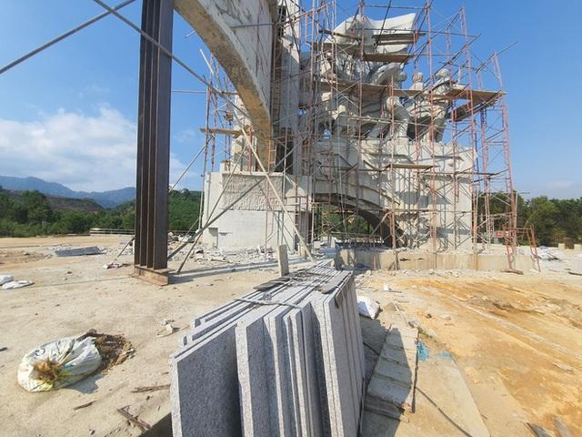 Cận cảnh tượng đài 14 tỉ đồng ở huyện nghèo miền núi Quảng Nam - Ảnh 6.