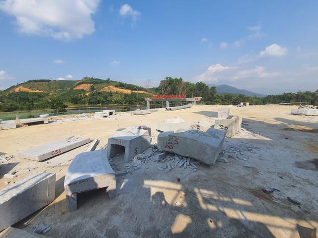 Cận cảnh tượng đài 14 tỉ đồng ở huyện nghèo miền núi Quảng Nam - Ảnh 8.