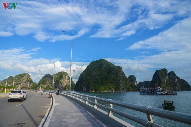 Chiêm ngưỡng tuyến đường bao biển nghìn tỷ bên vịnh Hạ Long - Ảnh 1.