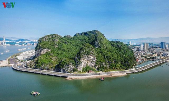 Chiêm ngưỡng tuyến đường bao biển nghìn tỷ bên vịnh Hạ Long - Ảnh 2.