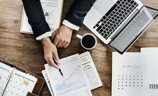 7 bài học sống còn từ chiến lược gia kinh doanh đã sống sót qua 4 cuộc suy thoái: Thành công luôn sẵn sàng đền đáp những người có tâm - Ảnh 2.