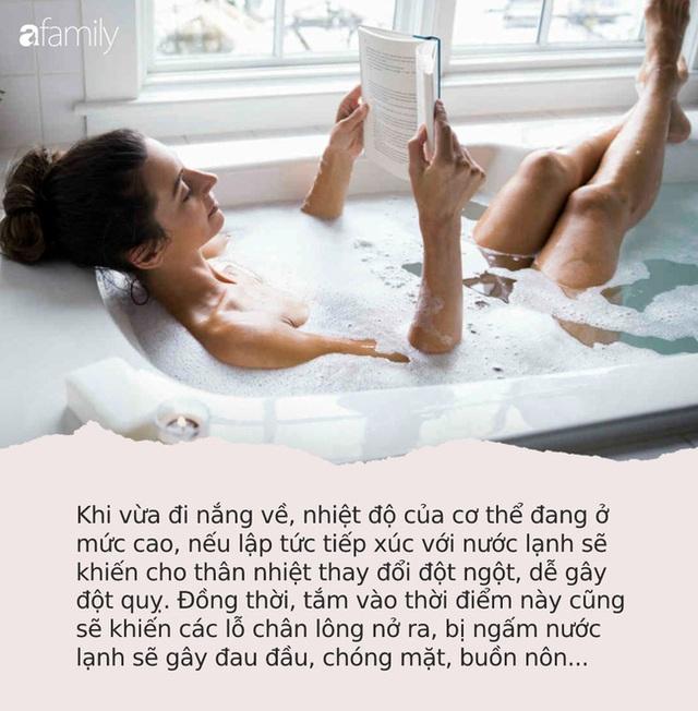 Trong mùa nắng nóng, đừng bao giờ mắc phải 7 sai lầm này khi tắm gội kẻo có thể đột tử bất cứ lúc nào - Ảnh 1.