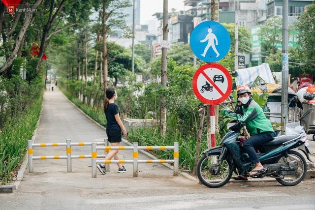 Ảnh, clip: Từ con mương ngập ngụa rác thải đến tuyến đường bộ cực xanh mát giữa lòng Thủ đô - Ảnh 2.