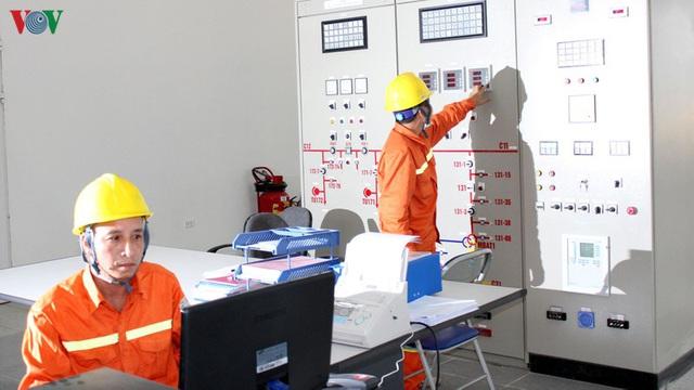 Khó tìm được lỗi công tơ khiến tiền điện tăng bất thường - Ảnh 1.