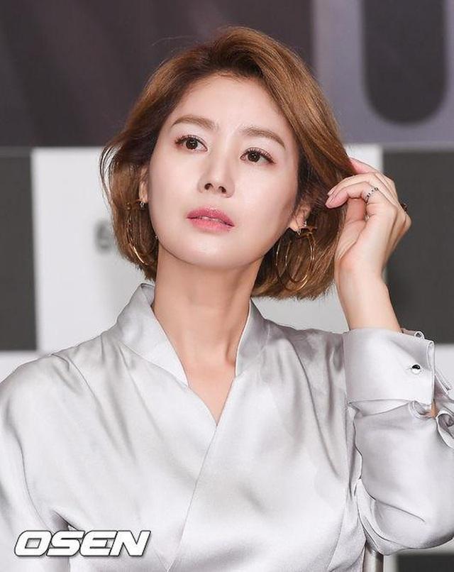 Văn hóa vâng lời và áp lực về cái đẹp của người Hàn Quốc: Bị phán xét từ mí mắt đến màu da, cuối cùng phải bước vào con đường dao kéo - Ảnh 5.