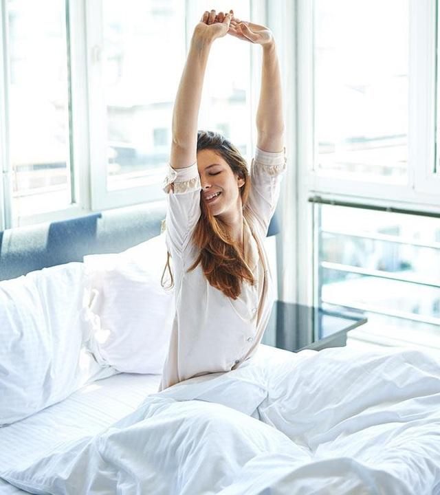 Sau một ngày ngủ nướng quá nửa buổi sáng, tôi đã hiểu ra: Thúc ép bản thân nhập cuộc đua dậy sớm không giúp bạn thành công, bí quyết là lắng nghe cơ thể để công việc năng suất gấp 10 lần - Ảnh 2.