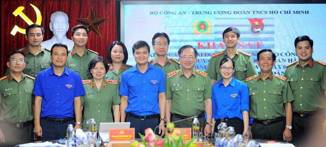 Ba Bí thư Đoàn Bộ Công an được bổ nhiệm Phó Giám đốc Công an tỉnh - Ảnh 4.