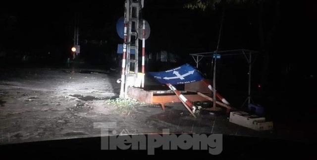 Lạng Sơn bị thiệt hại nặng do giông lốc kinh hoàng giữa đêm - Ảnh 4.