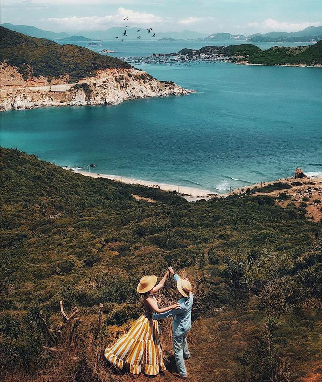 6 vùng biển lặn ngắm san hô đẹp nhất Việt Nam: Rực rỡ đến mê đắm lòng người - Ảnh 7.