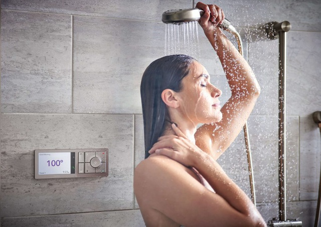 Đây là kiểu tắm cực nguy hiểm trong mùa hè: Đem lại cảm giác thoải mái nhưng tàn phá sức khỏe rất nhanh, thậm chí gây tai biến, đột quỵ - Ảnh 1.