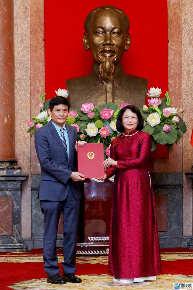 Chân dung 12 Đại sứ mới được Chủ tịch nước bổ nhiệm - Ảnh 2.