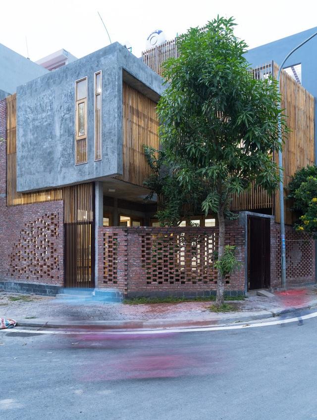 Ngôi nhà có cấu trúc mở ngập tràn ánh sáng tự nhiên - Ảnh 1.