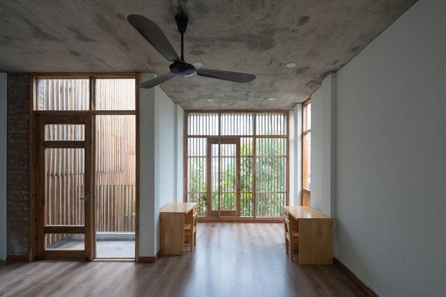 Ngôi nhà có cấu trúc mở ngập tràn ánh sáng tự nhiên - Ảnh 13.