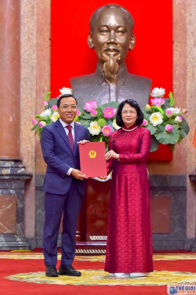 Chân dung 12 Đại sứ mới được Chủ tịch nước bổ nhiệm - Ảnh 4.
