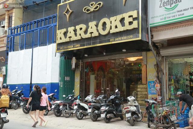 Sau lệnh của Thủ tướng nhiều quán karaoke ở Hà Nội và Sài Gòn nhộn nhịp mở cửa trở lại, nhiều quán vẫn đóng cửa im lìm - Ảnh 5.