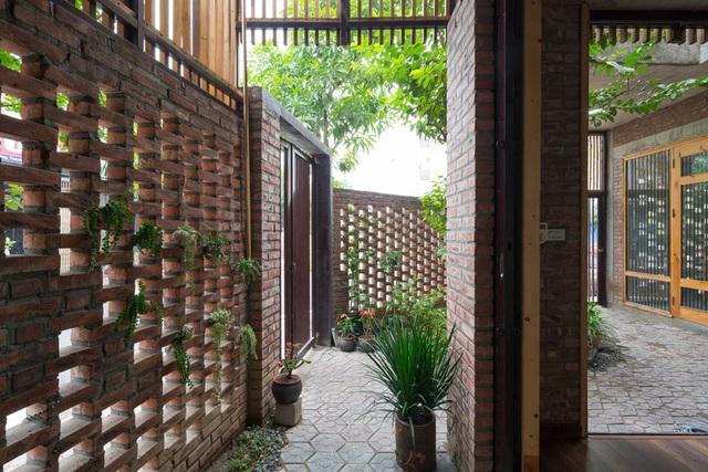 Ngôi nhà có cấu trúc mở ngập tràn ánh sáng tự nhiên - Ảnh 5.