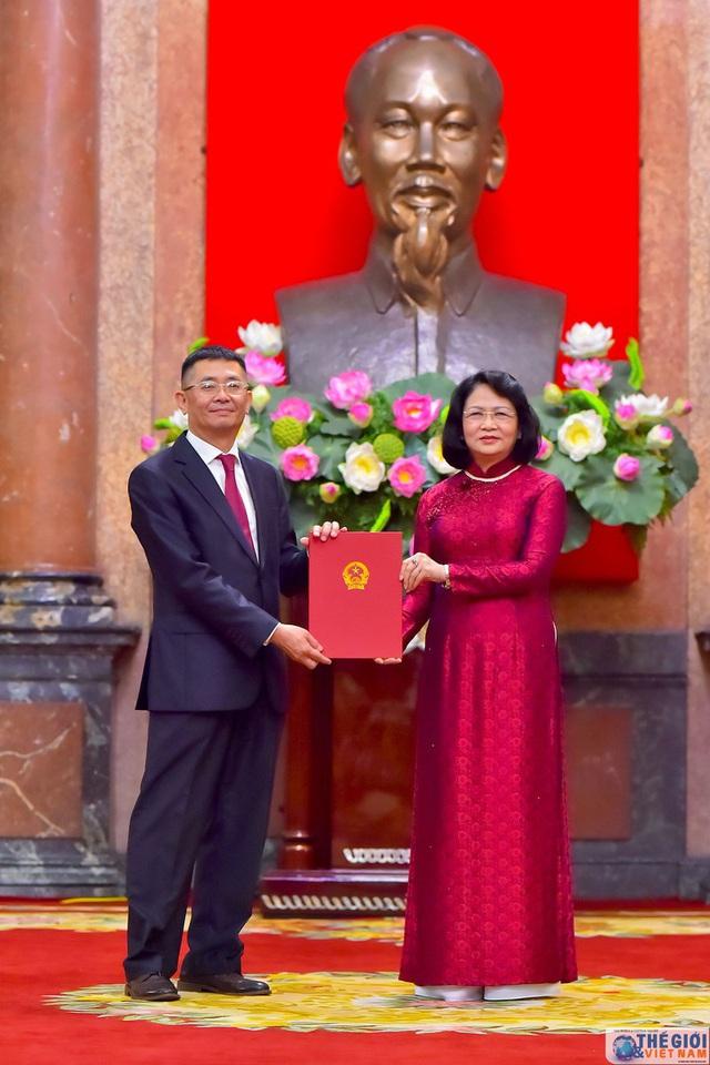 Chân dung 12 Đại sứ mới được Chủ tịch nước bổ nhiệm - Ảnh 7.