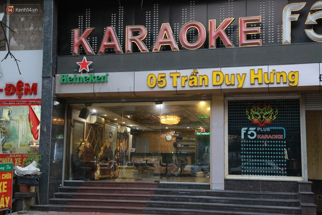Sau lệnh của Thủ tướng nhiều quán karaoke ở Hà Nội và Sài Gòn nhộn nhịp mở cửa trở lại, nhiều quán vẫn đóng cửa im lìm - Ảnh 9.