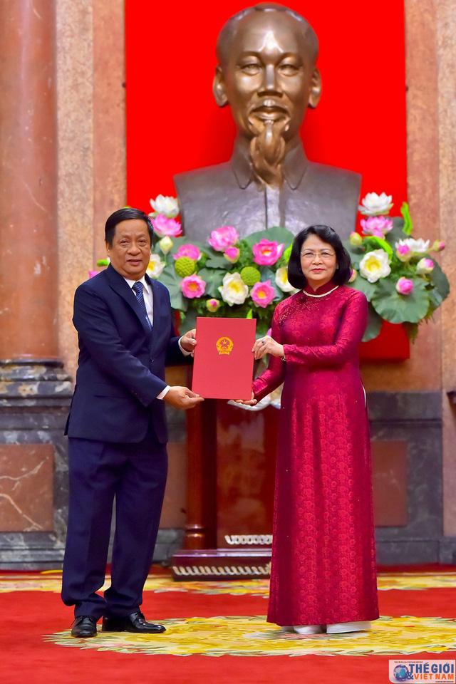Chân dung 12 Đại sứ mới được Chủ tịch nước bổ nhiệm - Ảnh 9.