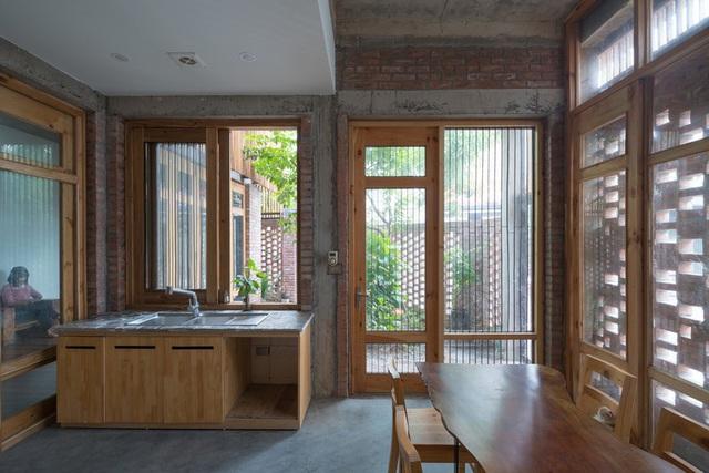 Ngôi nhà có cấu trúc mở ngập tràn ánh sáng tự nhiên - Ảnh 9.
