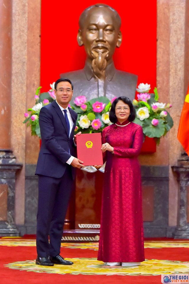 Chân dung 12 Đại sứ mới được Chủ tịch nước bổ nhiệm - Ảnh 10.