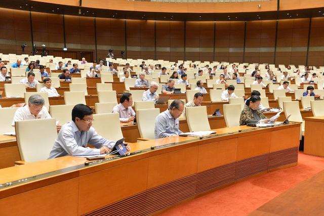 Quốc hội bầu Chủ tịch Hội đồng bầu cử Quốc gia, miễn nhiệm bà Nguyễn Thanh Hải - Ảnh 1.
