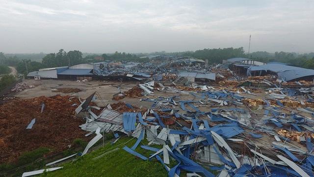 Danh tính 3 nạn nhân tử vong trong vụ lốc xoáy làm sập nhà xưởng hơn 2.000m2 ở Vĩnh Phúc - Ảnh 1.