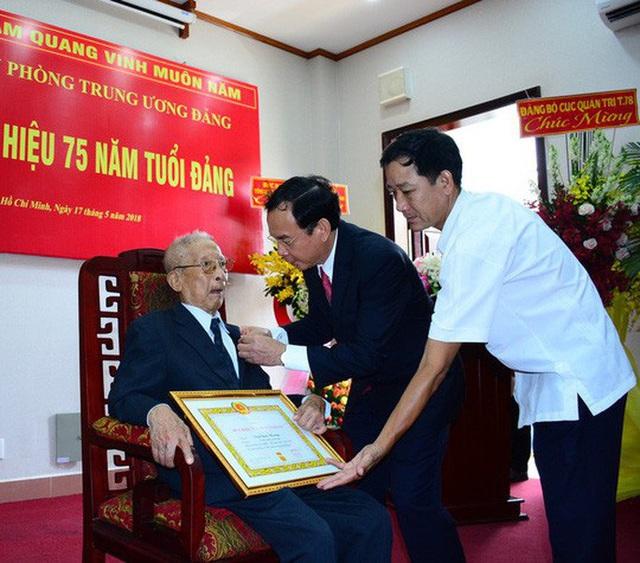 Nguyên Trưởng ban Nội chính Trung ương Trần Quốc Hương qua đời  - Ảnh 1.