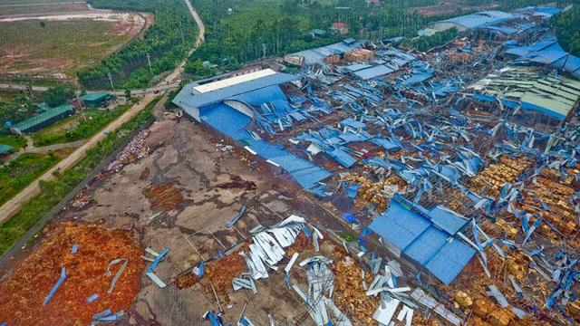 Danh tính 3 nạn nhân tử vong trong vụ lốc xoáy làm sập nhà xưởng hơn 2.000m2 ở Vĩnh Phúc - Ảnh 3.